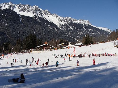 Шамони- самый старый горнолыжный курорт в мире, набравший популярность  после проведения здесь первых в истории зимних Олимпийских игр. c6e011f7eee